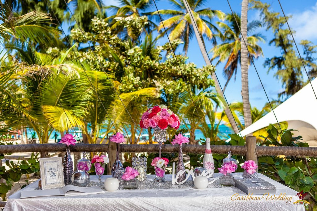 Frank sinatra style wedding at beach restaurant alexander for Weddings in the carribean