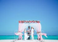 Gentle wedding in vintage style on the Juanillo beach in Cap Cana {Michaela and Martin}