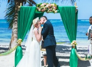 Emerald wedding in Dominican Republic on the private Caribbean beach {Maria and Artem}